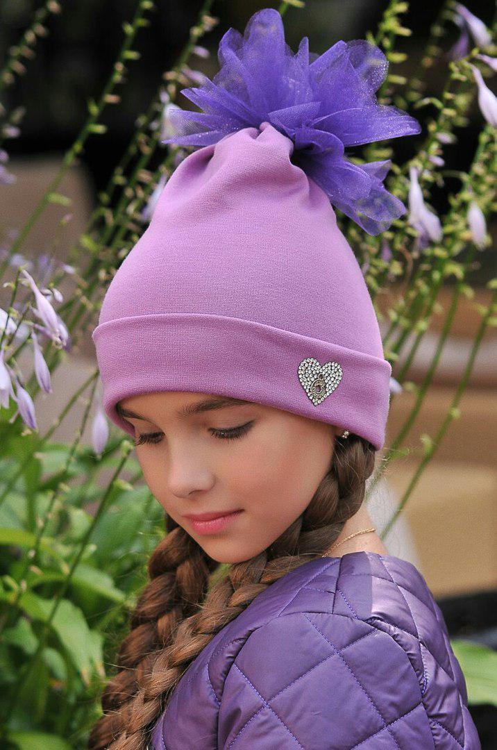"""Детская трикотажная шапка для девочки """"HEART"""" с фатиновым помпоном"""