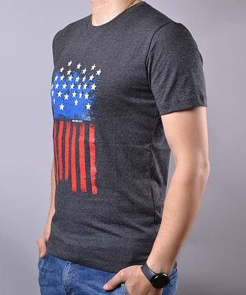 Темно-серая мужская футболка с рисунком от производителя | 100 % хлопок, размеры: 44-52, фото 2