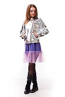 Короткая куртка-косуха для девочки с эффектным блеском, серебро