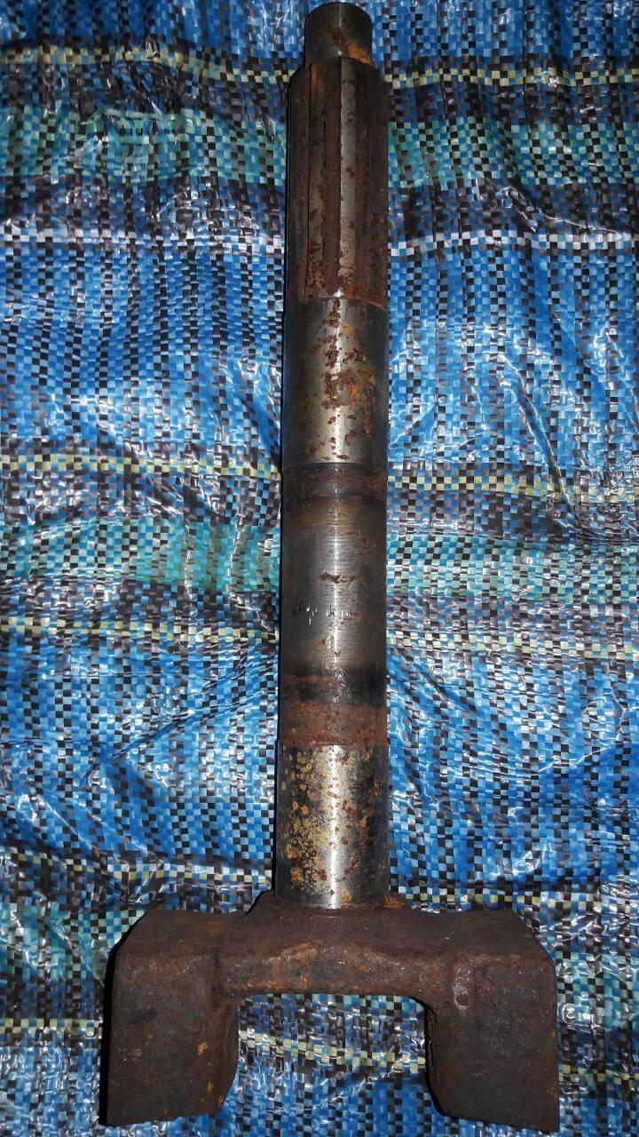 Вал главного сцепления ЮМЗ (старого образца ) (рогач)