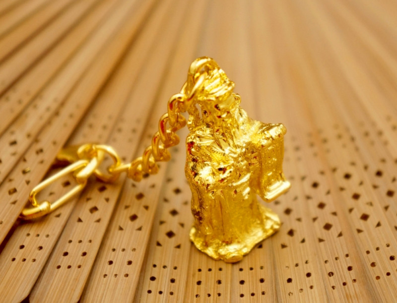 """Брелок в золотом цвете """"Символы Фэн Шуй"""" Тай Сен"""
