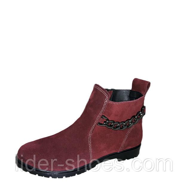 Женские замшевые ботинки бордового цвета