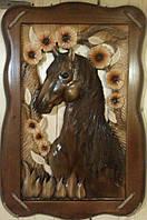 Настенная резная картина из дерева Конь