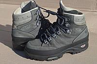 Трекінгове шкіряне взуття LOWA з Німеччини / 24 см стелька / Vibram підошва