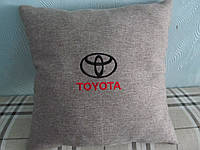 Декоративная подушка для авто вышивка TOYOTA 35х35 см, фото 1