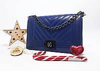 Синяя сумка через плечо Chanel копия люкс качества на цепочке