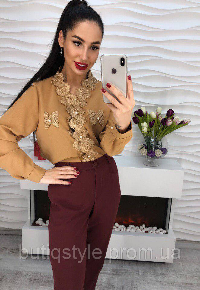 2c54a1078bd Стильная женская блузка креп-шифон с кружевом и жемчугом горчичная -