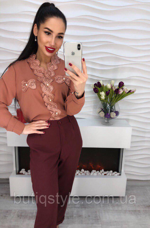 Стильная женская блузка креп-шифон с кружевом и жемчугом только горчичная, коричневая