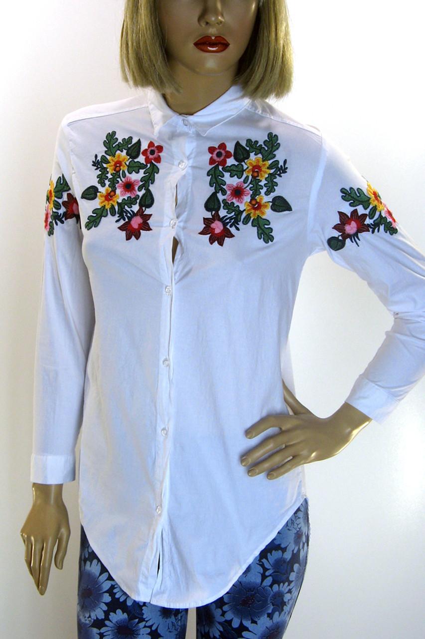 Жіноча біла сорочка з вишивкою