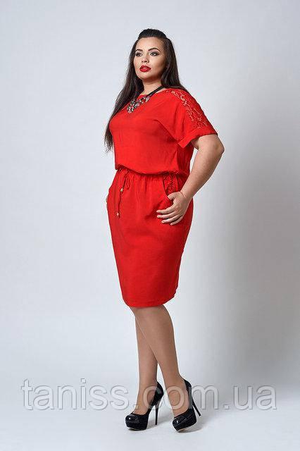 Летнее платье из штапеля, украшено гипюром, р.50,52,54,56 красное (518)