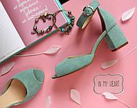 Женские босоножки на невысоком каблуке , натуральный замш . Возможен отши в других цветах кожи и замши