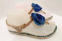 Босоножки женские пляжные с синим цветком силикон
