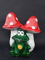 Гриб с жабкой