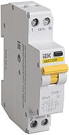 Дифференциальный автоматический выключатель АВДТ32М В6 10мА IEK