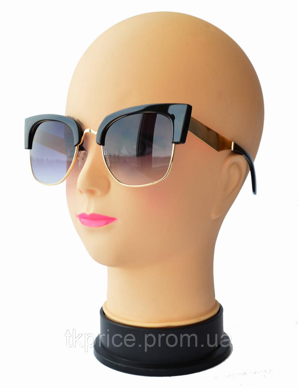 Стильные женские солнцезащитные очки 2823