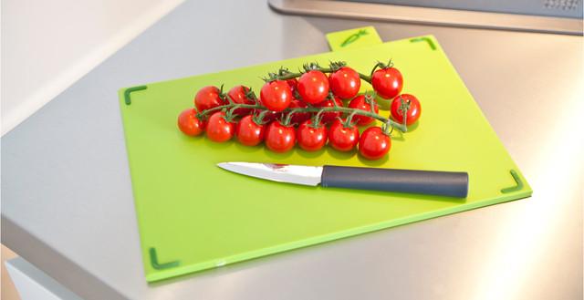 Разделочная кухонная пластиковая доска