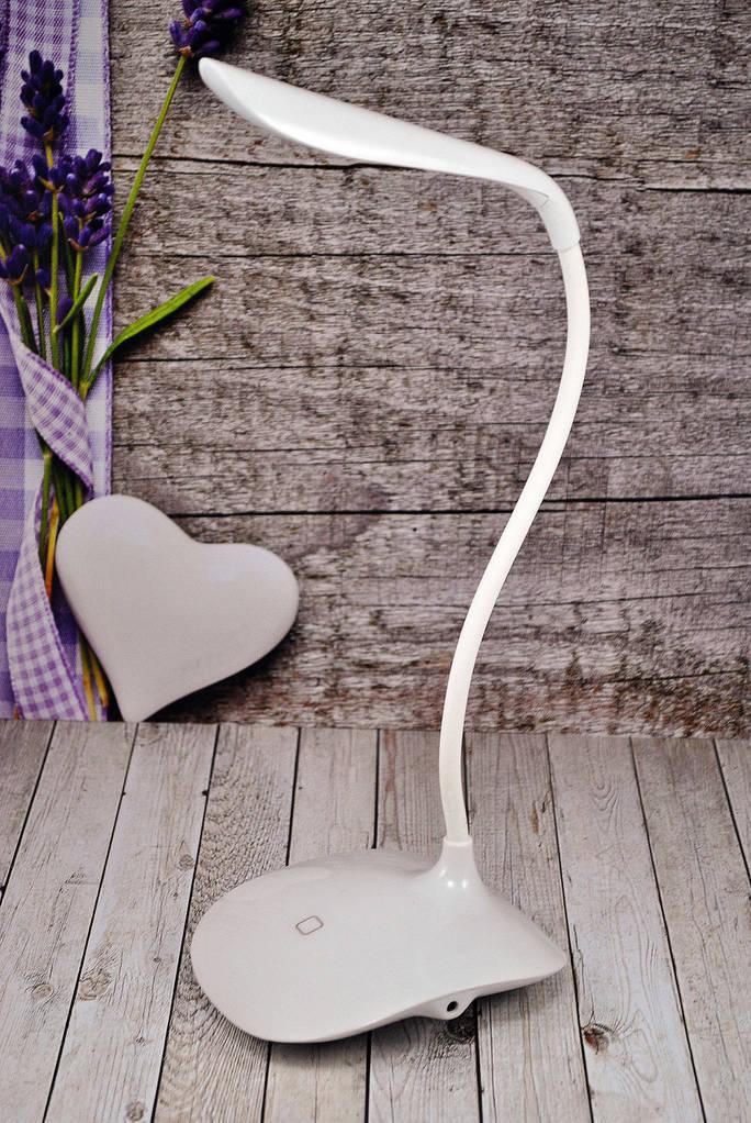 Настольная изгибающаяся Led лампа Fashion Wind Desk Light Usb Белая