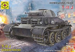 Немецкий танк T-II J. 1/35 MODELIST 303523