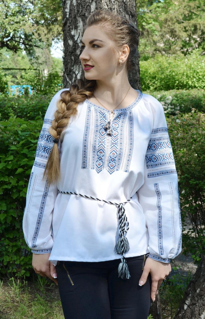 Жіноча вишиванка білого кольору ручної роботи
