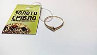 Кольцо из белого золота. Вес 0.84 грамм, 1 бриллиант.  Размер 17,5.