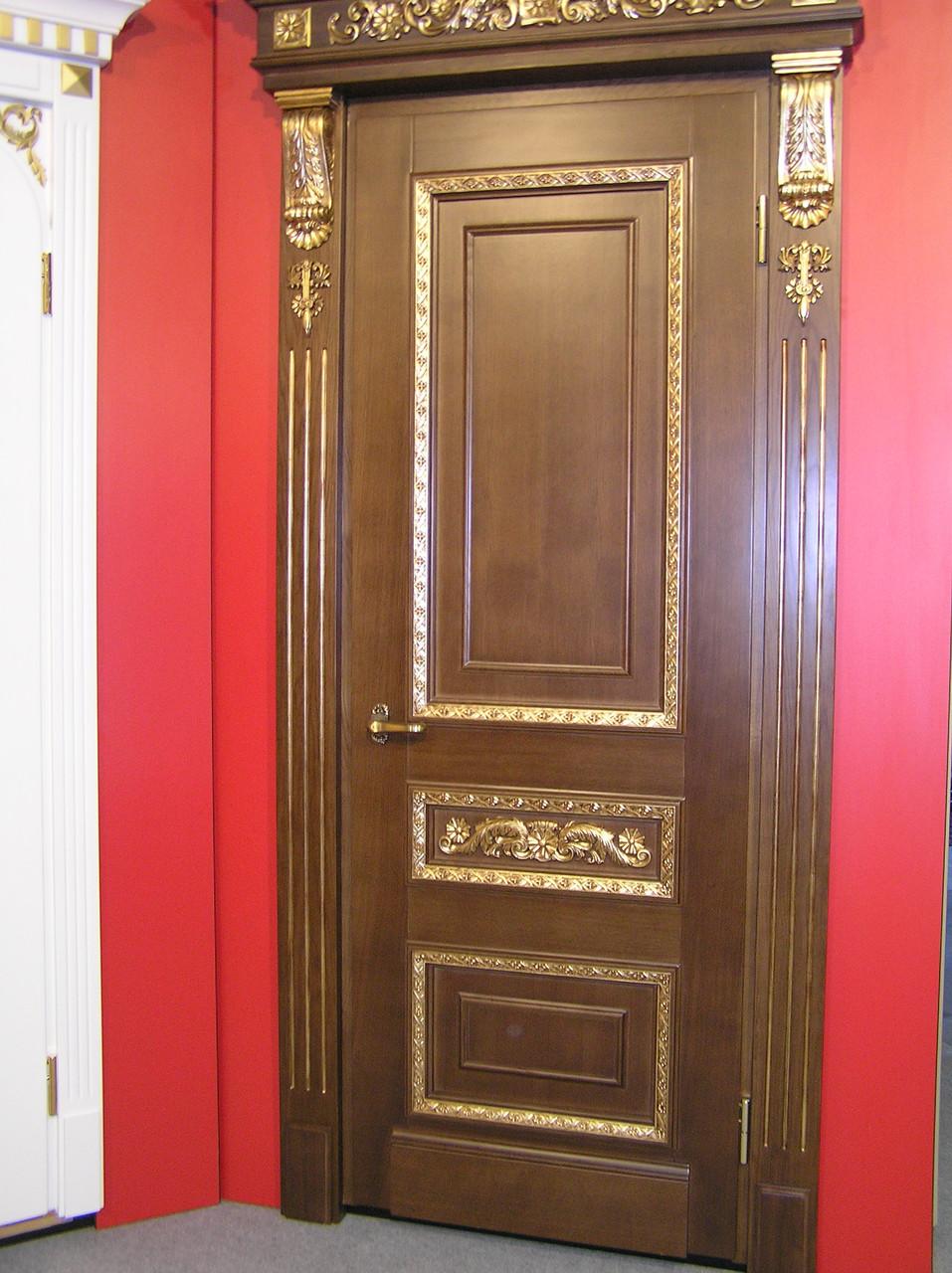Двери Ореховые