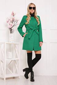 Зеленое женское пальто без воротника