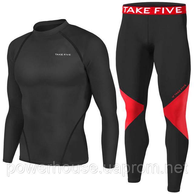 9844c3c65536 Рашгарды и штаны блестящего черного цвета прекрасно прилегают к телу, не  мешают тренировкам, позволяют ощущать движение каждой мышцы во время  занятий.