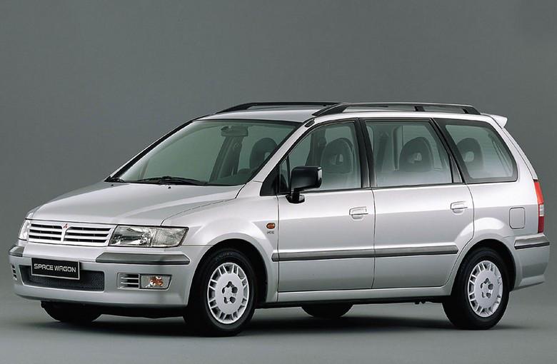 Лобовое стекло Mitsubishi Space Wagon / Chariot Grandis (1997-2003)