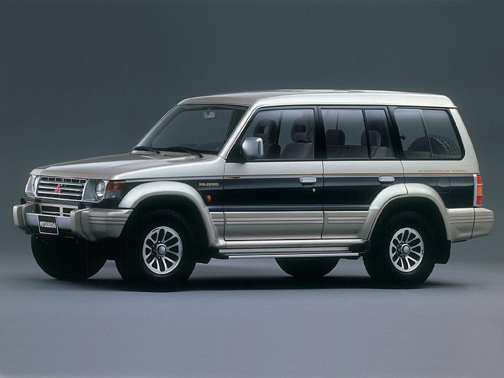 Лобовое стекло Mitsubishi Pajero (1991-1999)