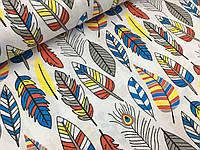 """Польская хлопковая ткань """"перья большые желтые, красные, синие на белом"""""""