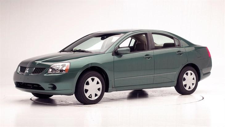Лобовое стекло Mitsubishi Galant (седан) (2003-2012)