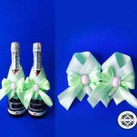 Украшение на шампанское в мятном цвете.