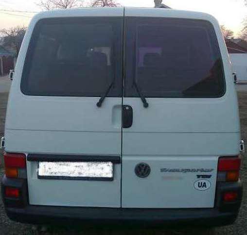 Заднее стекло (распашонка) правая без э.о. на Volkswagen Transporter Т-4
