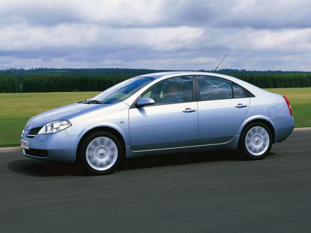 Лобовое стекло Nissan Primera  Р12 (2002-2007)