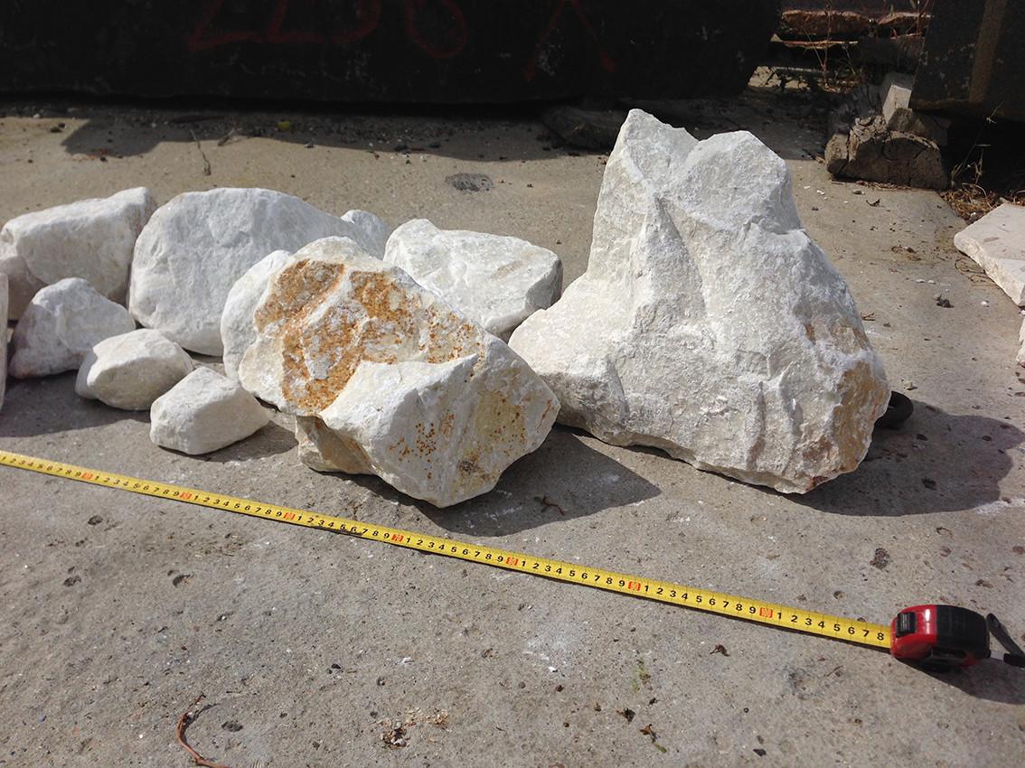 Валуны мраморные белые 50-500 мм