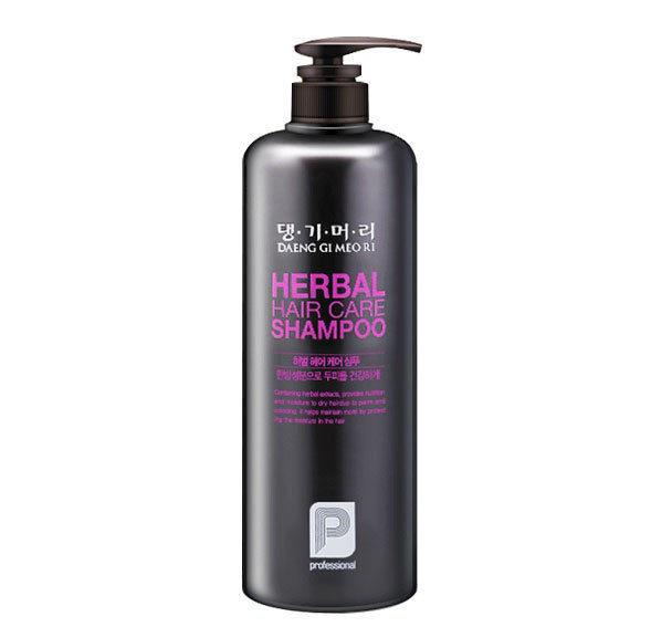 Профессиональный шампунь на основе целебных трав Daeng Gi Meo Ri Professional Herbal Hair Shampoo - 1000мл