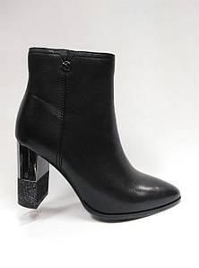 Ботиночки кожаные на каблуке. Маленькие и стандартные размеры.