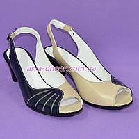 Босоножки женские кожаные на каблуке, сине-бежевые. 40 размер