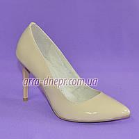 Туфли женские кожаные на шпильке, бежевый цвет. 36 размер