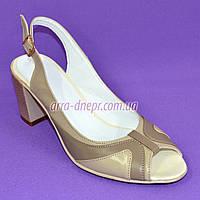 Классические кожаные босоножки женские на каблуке. 38 размер