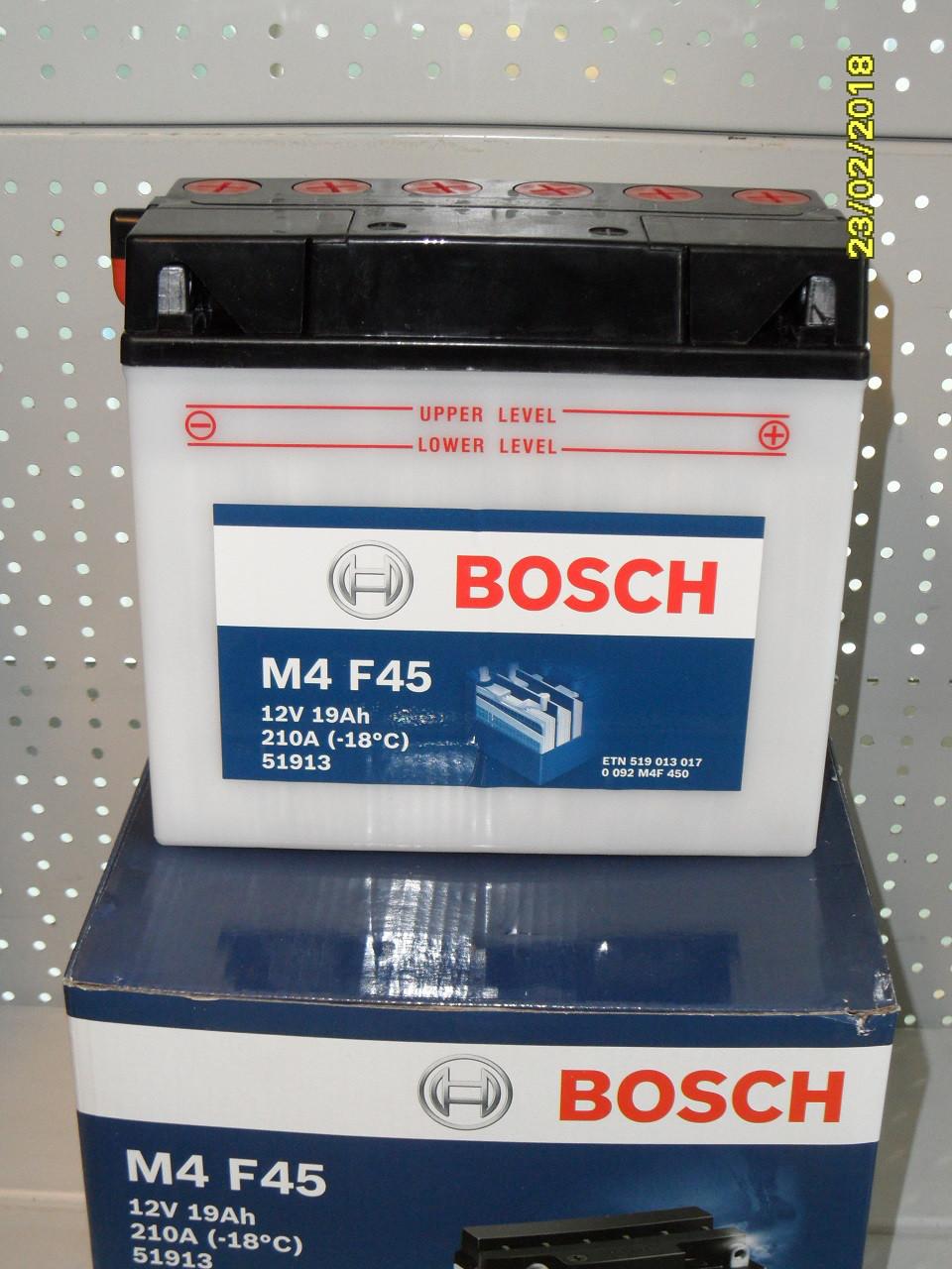 Мотоциклетный аккумулятор 0092M4F450 12V 19A/h 186x82x171