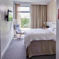 Ліжка та дивани