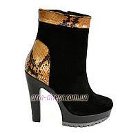 Ботинки женские  классические на высоком каблуке, натуральный черный замш и питон. 37-40 размеры