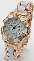 Женские кварцевые наручные часы золотые с белым