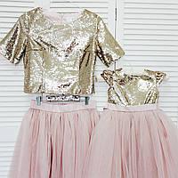 Комплект одинаковых платьев для мамы и дочки с пайетками и фатином Family look Фэмили лук однакові сукні