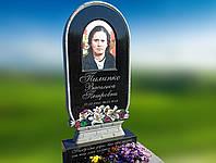 Памятник с керамикой, в форме корзины с цветами