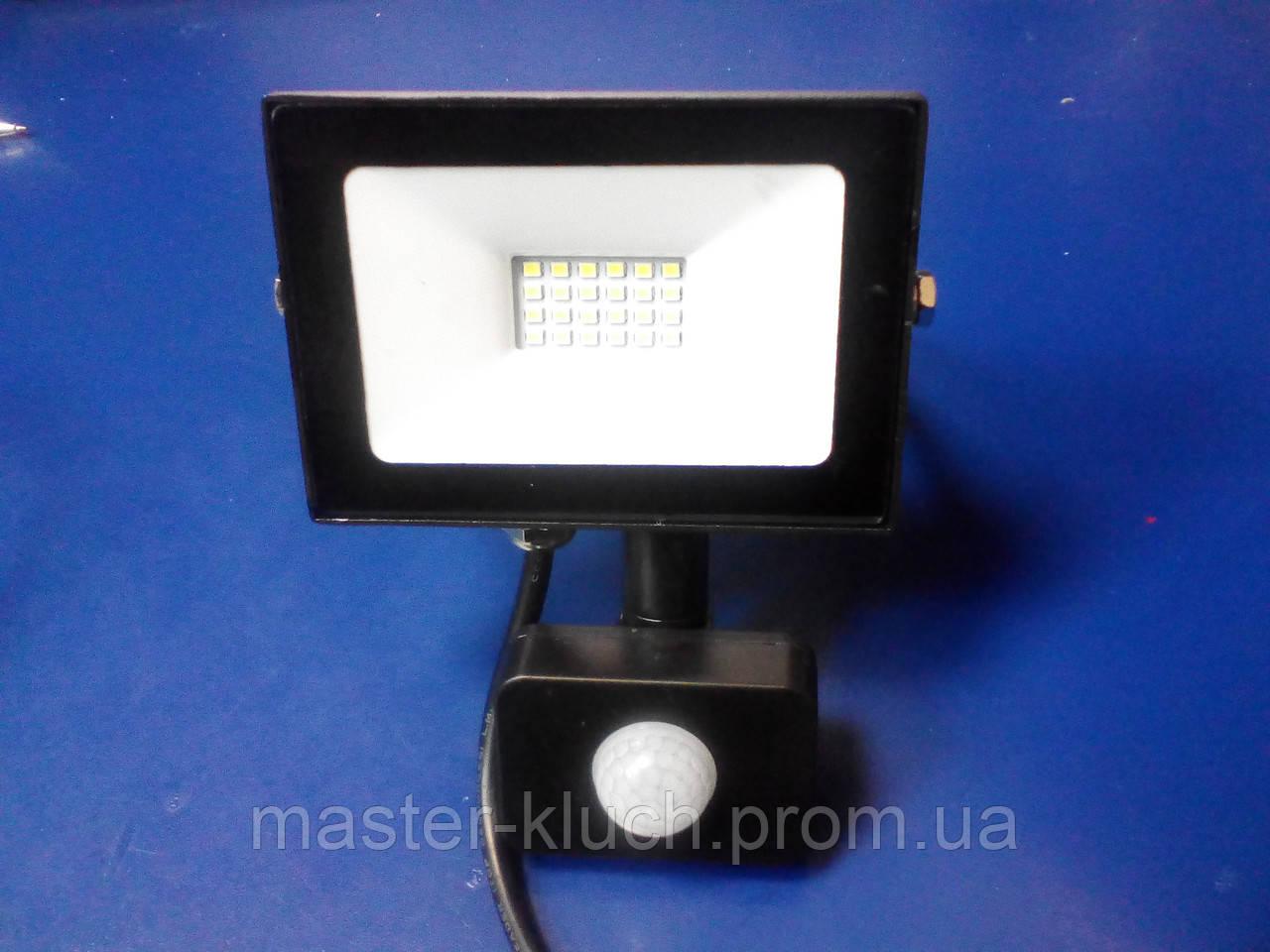 Прожектор светодиодный с датчиком движения Lemanso LMPS27 20W IP65