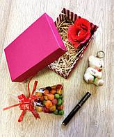 Подарочный набор с помадой kylie и брелочком