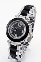 Женские кварцевые наручные часы серебристые с черным