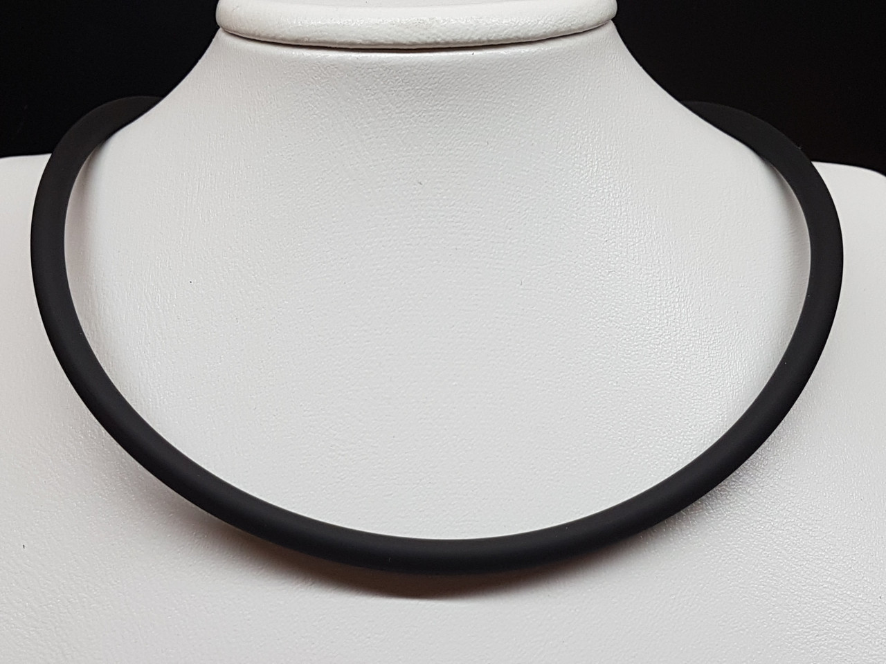 Ювелирный шнурок из каучука. Артикул 950005с 60